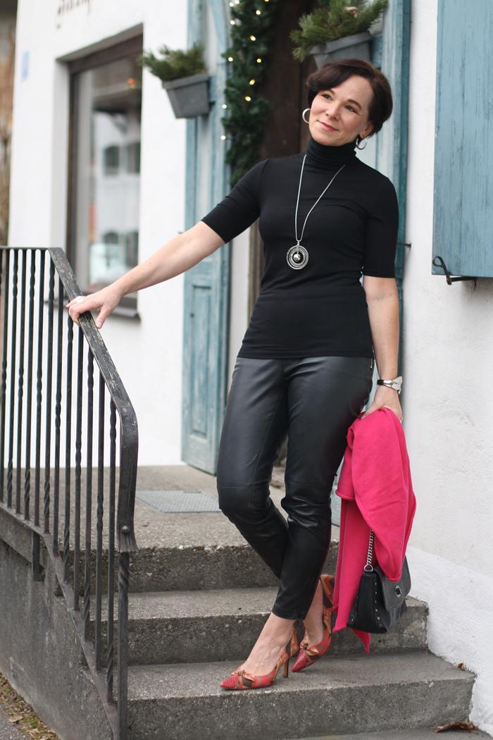 Reife Frauen In Leder