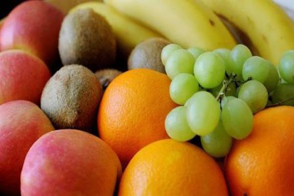 Comer estas frutas pueden reducir su riesgo de ataque cardíaco en un 40%