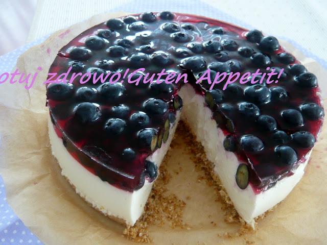 Torcik jogurtowo-kokosowy na zimno z jagodami - Czytaj więcej »