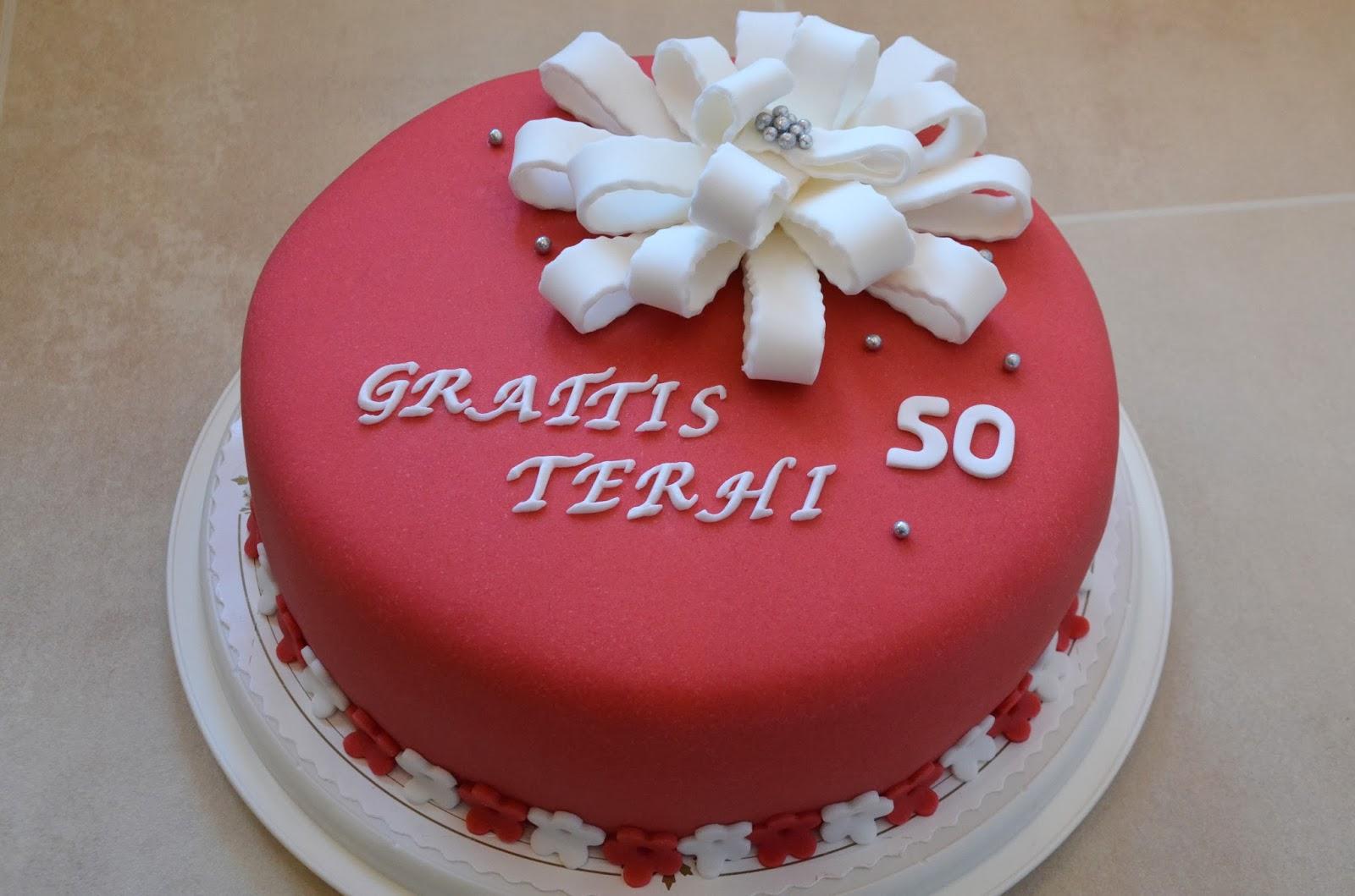 50 års tårta Tårtmakartösen: 50 års tårta i rött och vitt 50 års tårta
