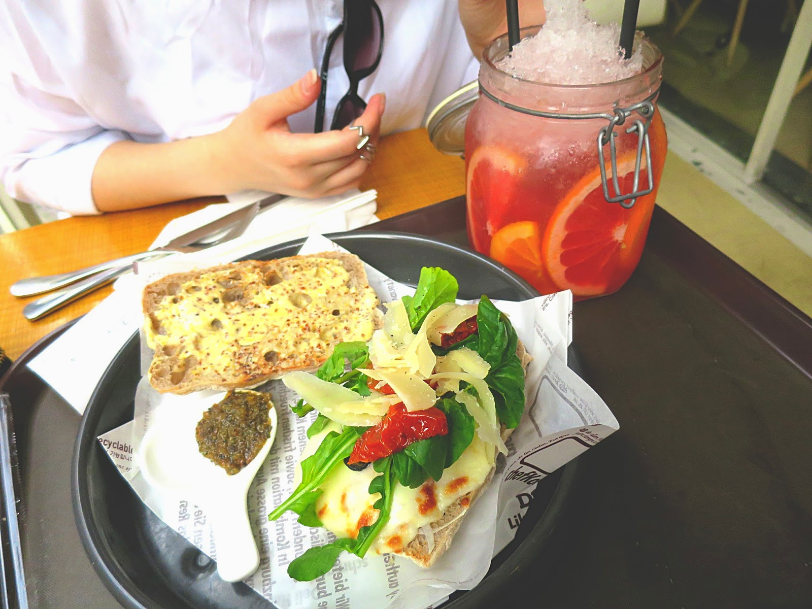 photo of pizza panini and grapefruitade, deli heinzburg