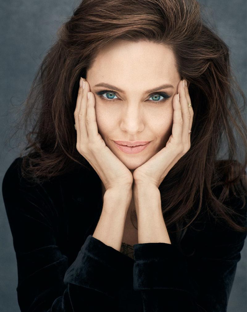 Angelina Jolie fala da parceria com a marca de perfumes ... Angelina Jolie