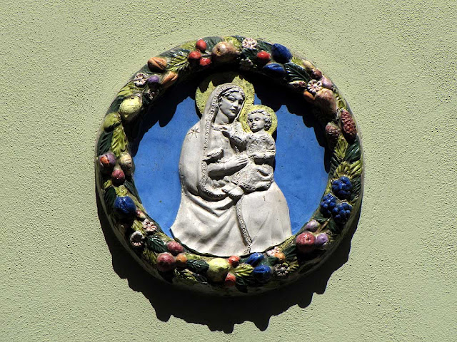 Votive image outside a house, Livorno