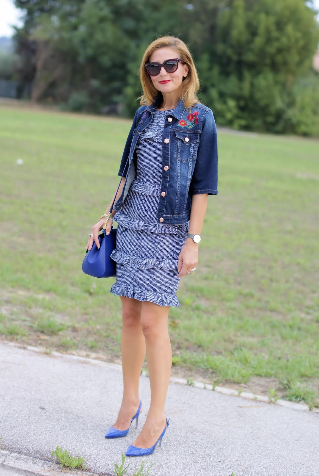 How to wear a denim jacket on an elegant dress on Fashion and Cookies fashion blog, fashion blogger style