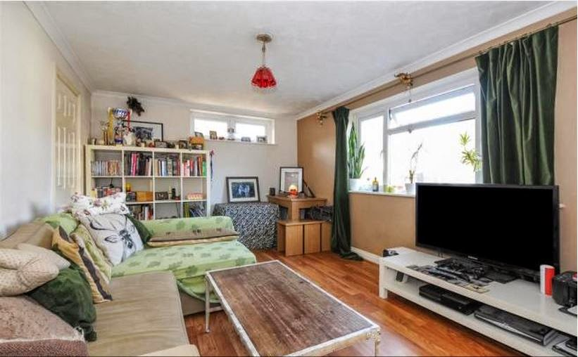 buytolet chichester flat lounge