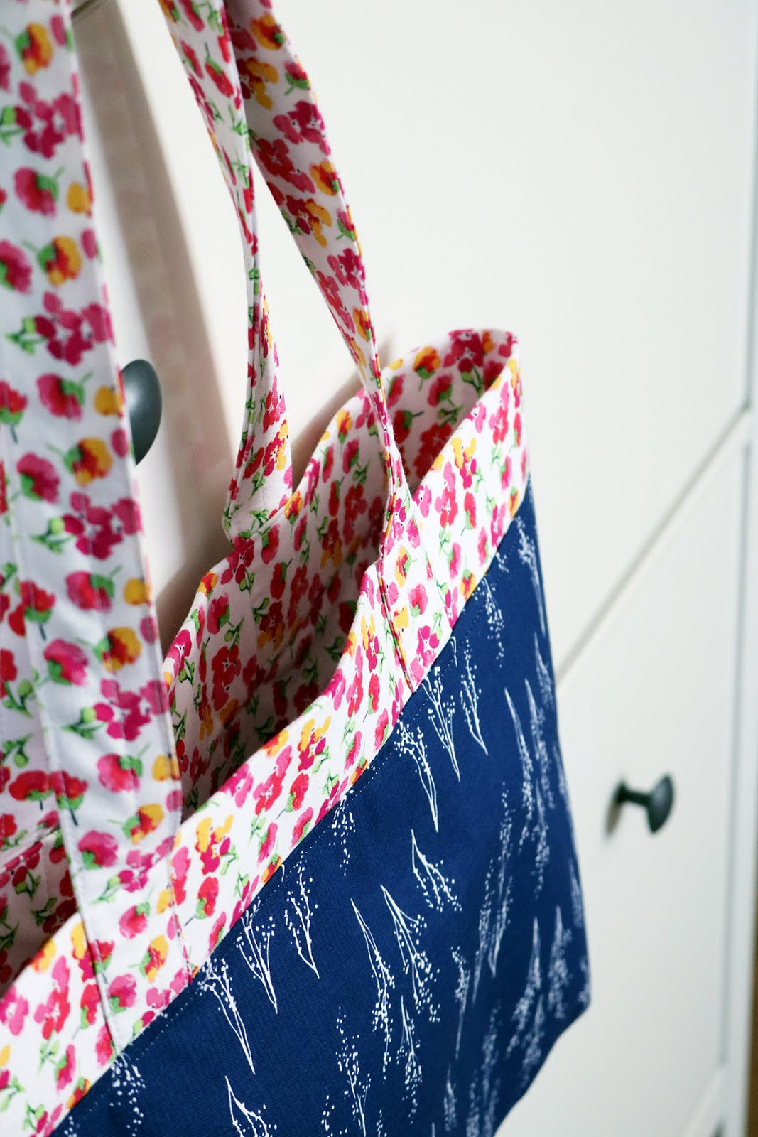 A Bright Corner: A Tote Bag + Fruitful Pleasures Fabric