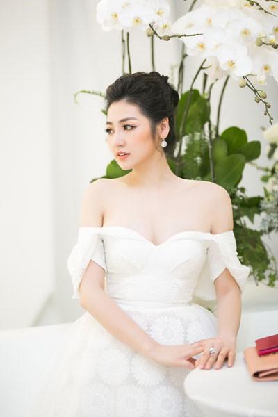 Khó cưỡng trước vẻ đẹp của á hậu Tú Anh tại sự kiện - Ảnh 5