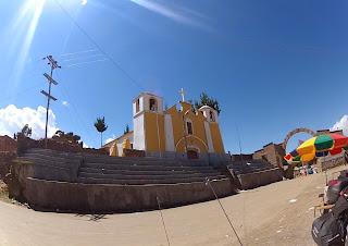 Igrejinha na fronteira Bolívia / Peru.