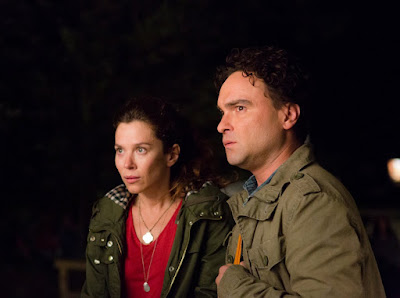 The Cleanse Anna Friel and Johnny Galecki Image 1