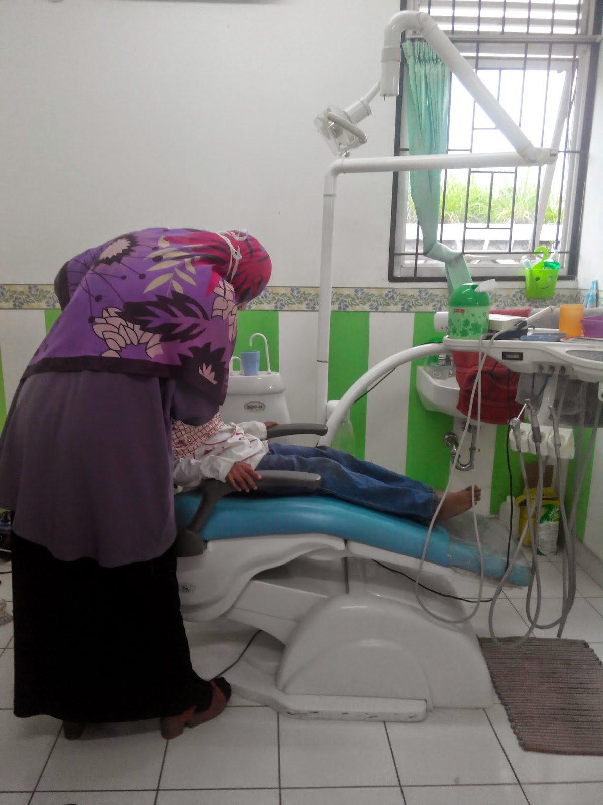 Perawatan gigi di Puskesmas Situ Gintung, Serua - Ciputat