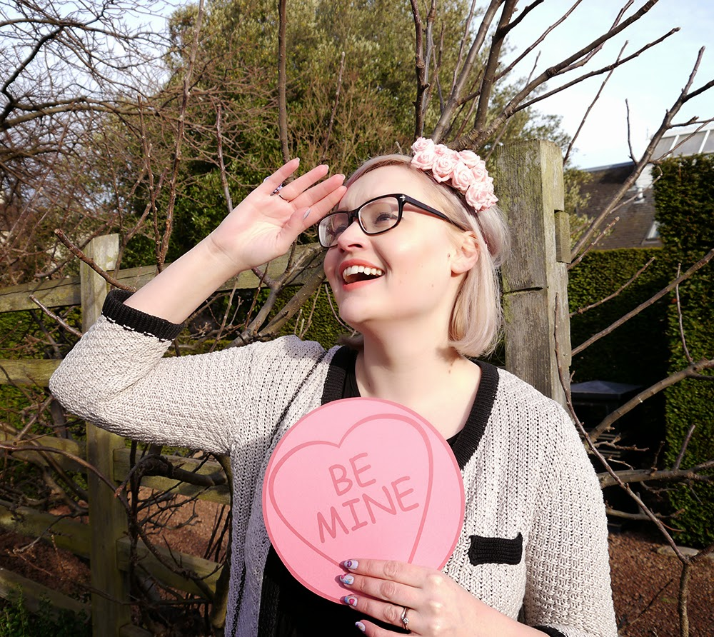 how to, valentine, DIY, hat, love heart, galentine, Kimberley, love, sweetheart, romance, V day