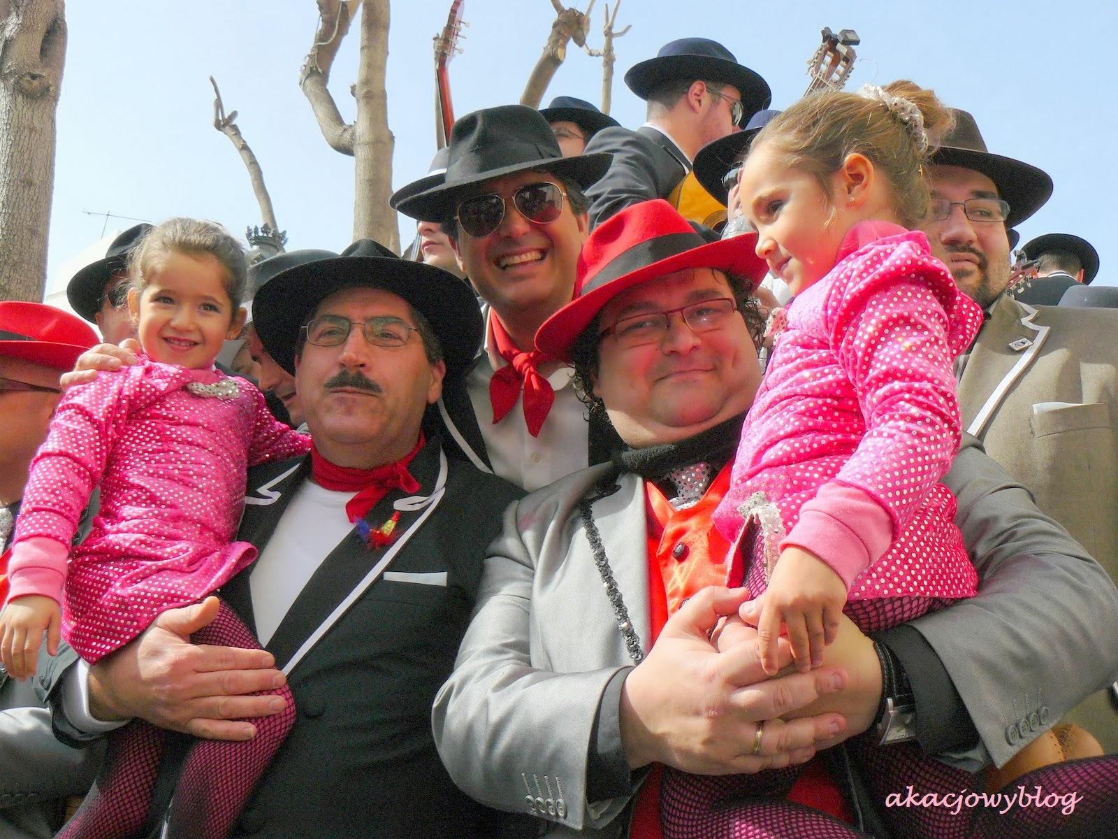 Karnawałowa fiesta w Kadyksie.