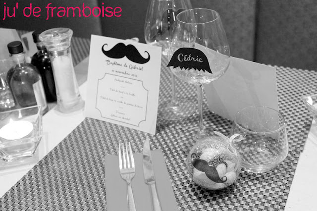 table de fête moustache