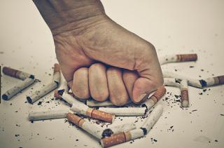 Contoh Paragraf Persuasif tentang Bahaya Merokok