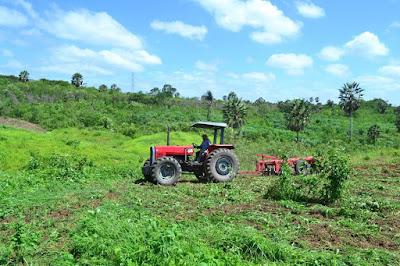 Prefeitura de Pacatuba inicia o Programa de Mecanização Agrícola