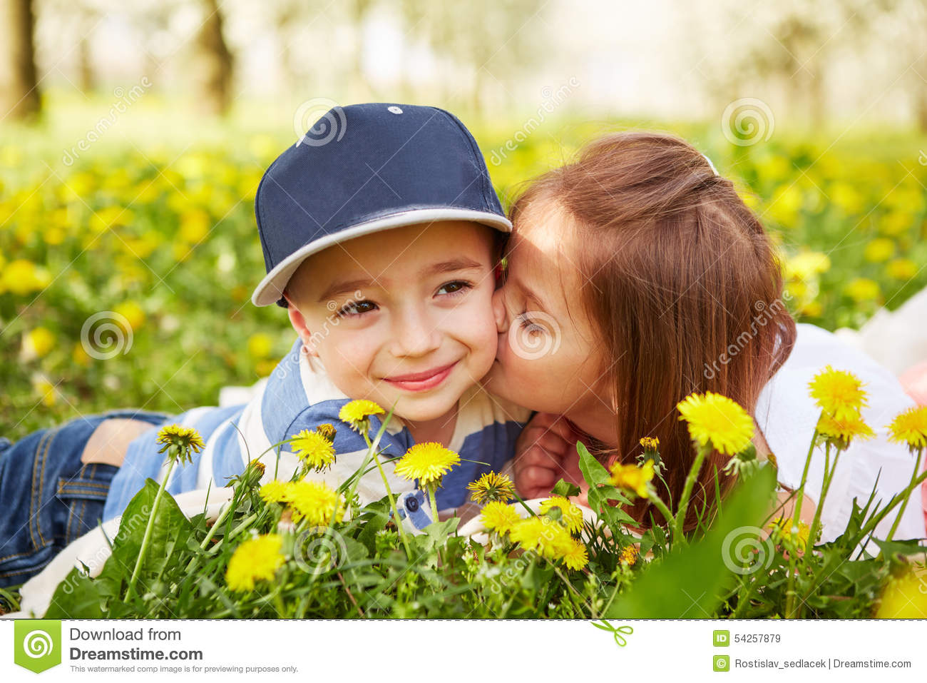 Photos Of Kissing Boy And Girl