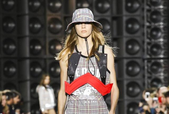 Versus Versace Spring Summer 2018 Full Fashion Show