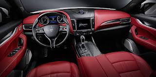 Maserati Levante S interni pelle rosso rossa