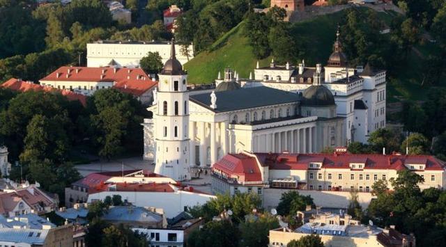 Ironis, Promosi Wisata Lithuania Pakai Foto Negara Lain