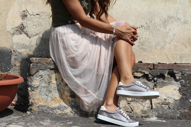 outfit gonna di tulle e sneakers stylegram