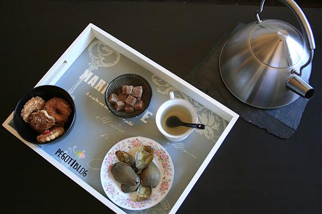 Hacer té de alcachofa, o cómo aprovechar la hortaliza al completo
