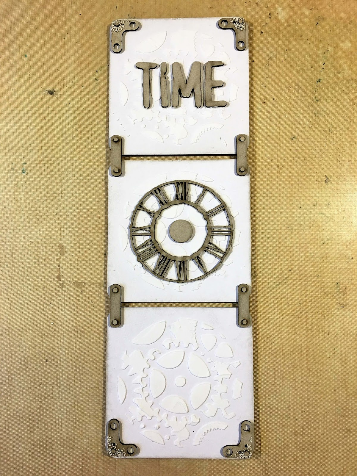 Time Wall Hanging by Melina Dahl - That\'s Crafty!