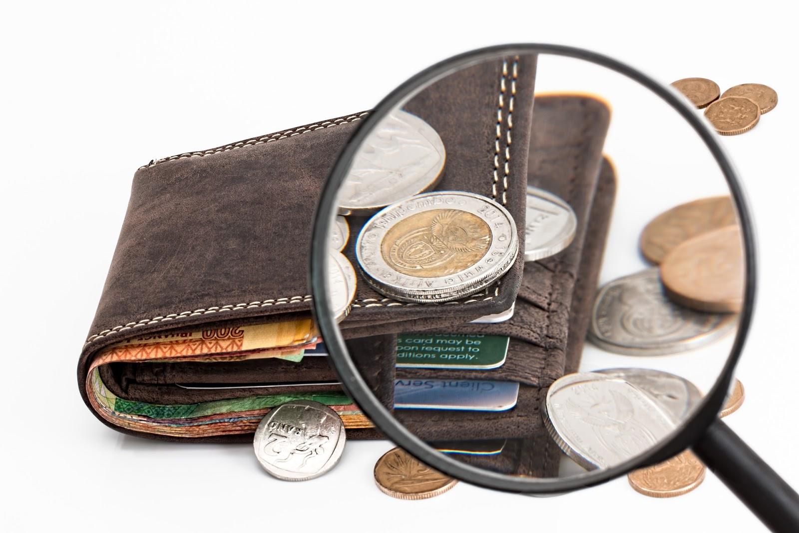 Polacy zarabiającoraz więcej a RPP pozostawiła stopy na niezmienionym poziomie - sprawdź co to oznacza dla Twojego portfela