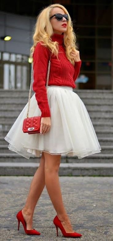 6 AMAZING CHRISTMAS OUTFITS WITH RED SHOES