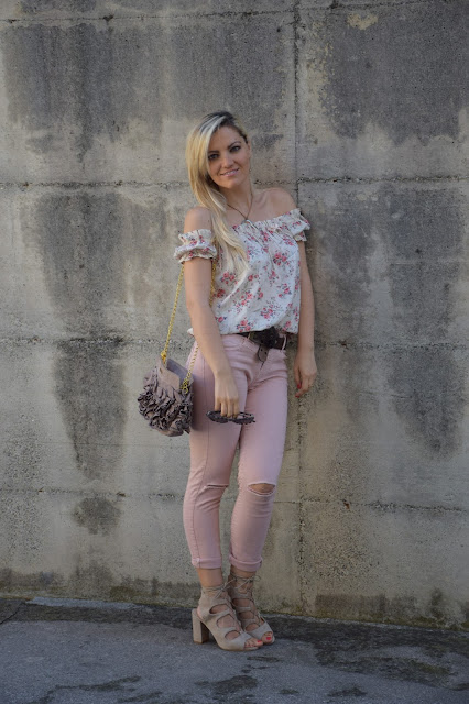outfit jeans rosa come abbinare i jeans rosa abbinamenti jeans rosa punk skinny jeans outfit how to wear pink jeans mariafelicia magno fashion blogger colorblock by felym outfit luglio 2016 outfit estivi summer outfits july outfits fashion blogger italiane fashion bloggers italy jeans strappati berska