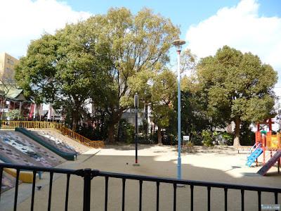 小橋公園からの産湯稲荷神社
