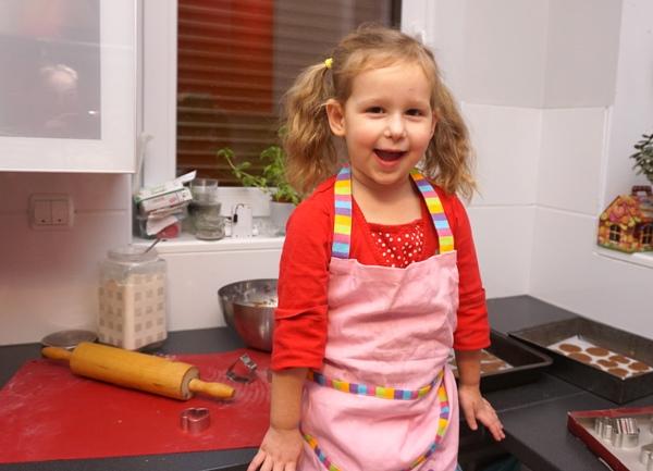 pierniki do pieczenia z dziećmi na choinkę prosty przepis
