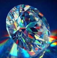 diament-światło-w-ciemności