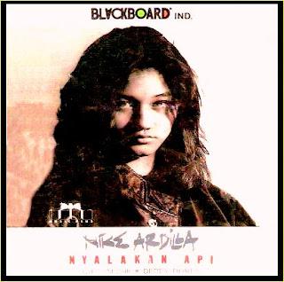 Download Lagu Nike Ardila Mp3 Full Album Nyalakan Api (1991)