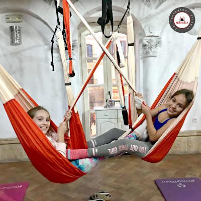 yoga aereo kids niños