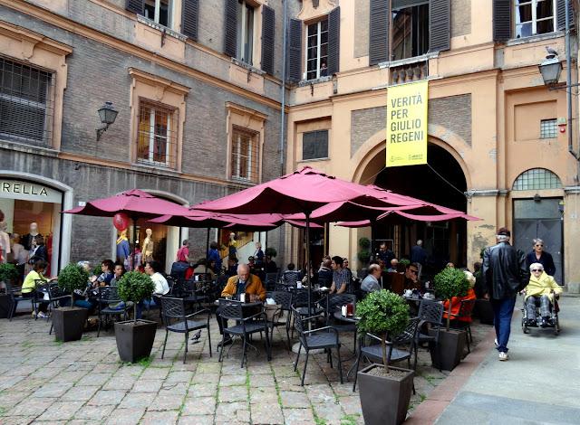 Cafe on Via Emilia Modena