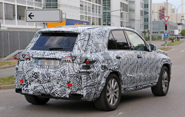 2018 Mercedes-Benz M-Class Spy Shots, Price, Expected Release Date