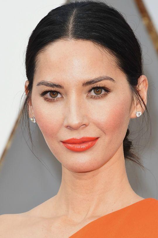Olivia-Munn-Oscars-Makeup