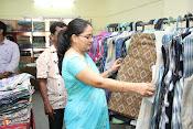 Rashmi Thakur Inaugurates Pochampally IKAT Art mela 2016-thumbnail-12
