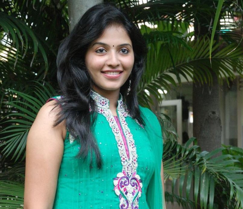 Tamil Cinema Foto: Actress Anjali At Aravaan Press Meet Stills