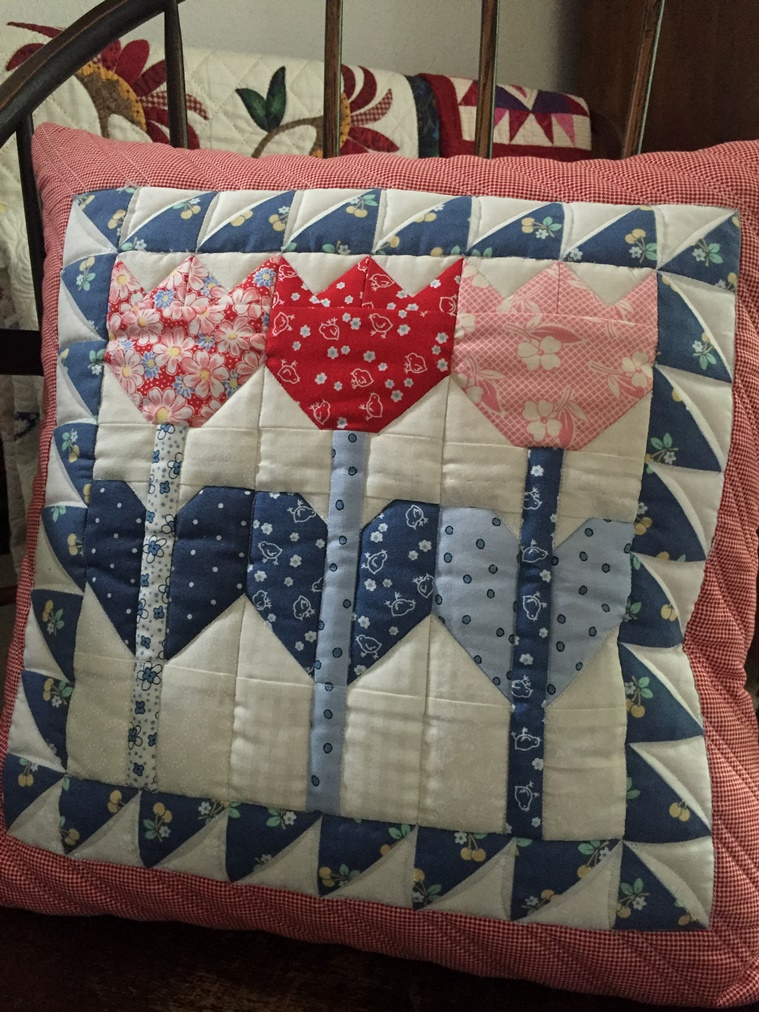 Laugh yourself into Stitches: Tulip Crush Pillow and Quilt Pattern ... : pillow and quilt - Adamdwight.com