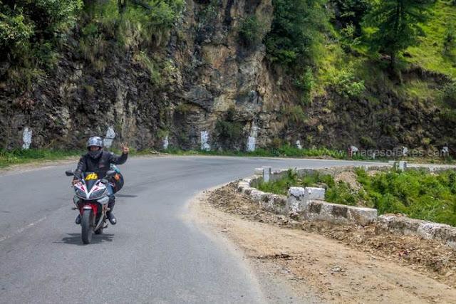 curvy road shimla