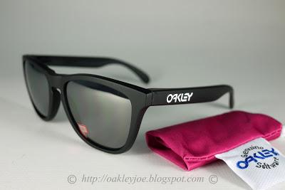 0047beb107 Oakley Frogskins Matte Black 24-297 Polarized