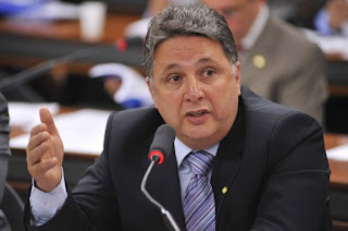 http://vnoticia.com.br/noticia/1986-tre-rj-nega-pedido-de-liberdade-a-garotinho