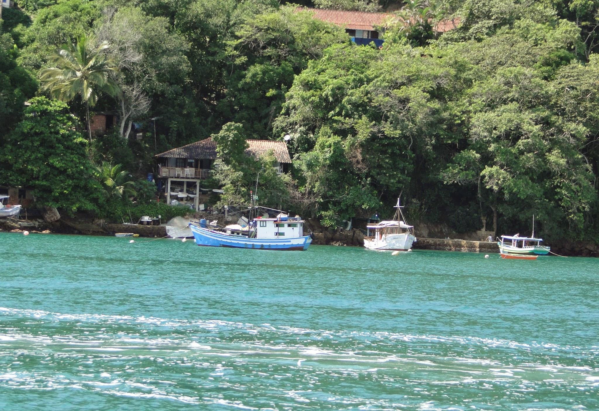 Passeio de barco em Paraty, Rio de Janeiro