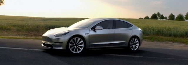 Tesla anuncia produção de Model 3 em julho e novas gigafábricas