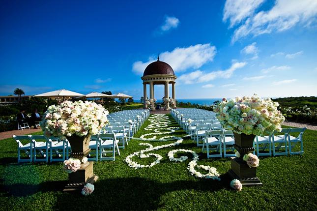 Outdoor Wedding Ceremony Décor: Gorgeous Outdoor Wedding Ceremonies