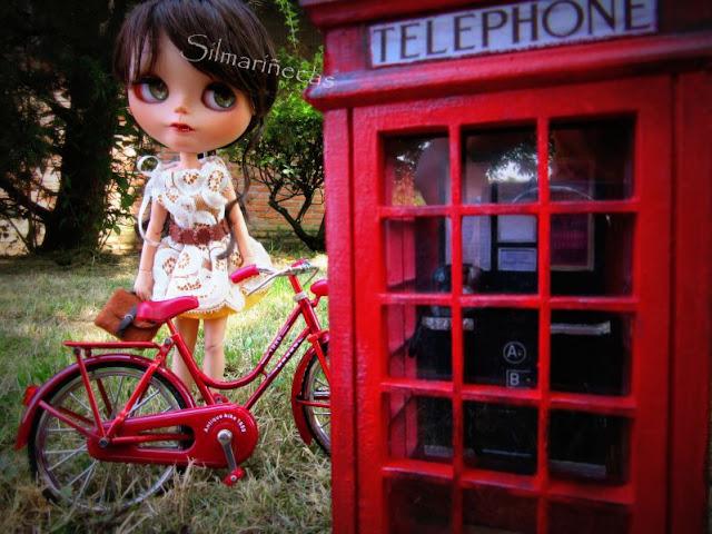 caty blythe y phonebox inglesa K2