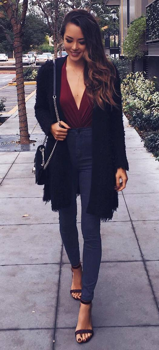 what to wear with a cardigan: bag + top + skinnies + heels