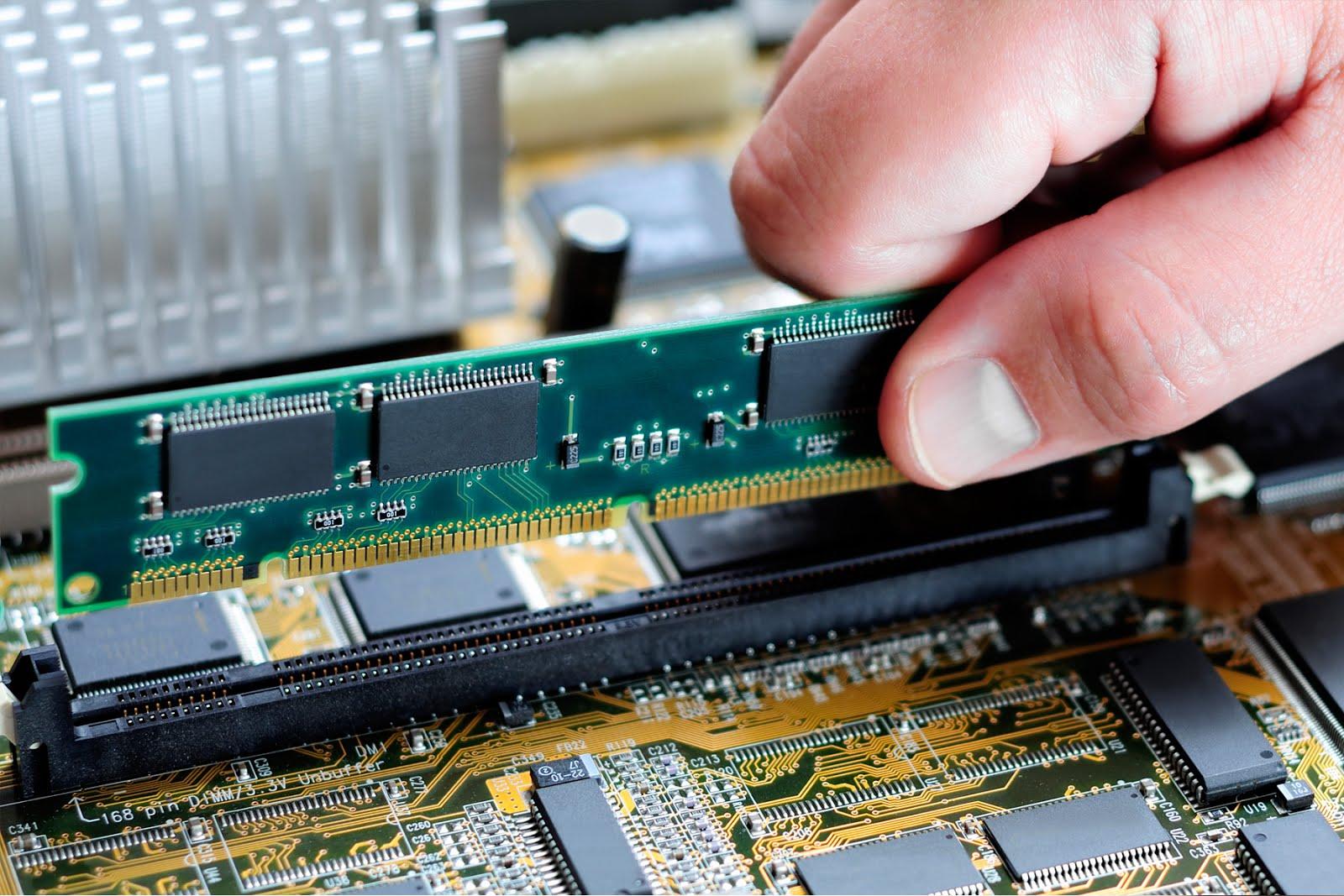 cara menambah kapasitas ram laptop