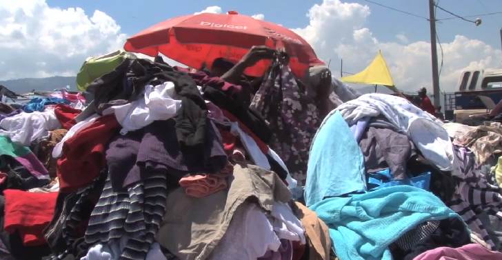 open-air cloth market